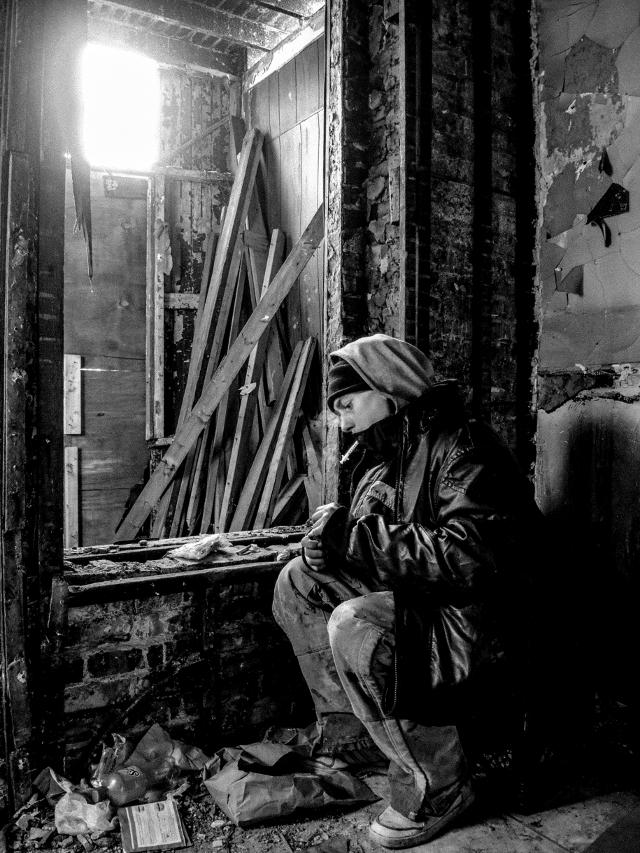 John Lee preparing his heroin rig in an abandoned East Garfield Park home-1896_2